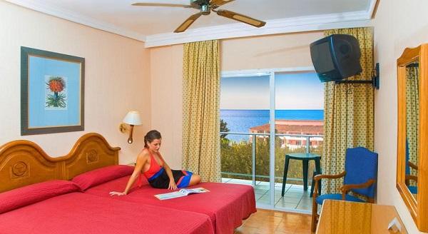 Costa del Sol, Diverhotel Marbella, camera, pat dublu, balcon.jpg