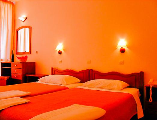 Corfu, Hotel Nasos & Daisy, camera dubla.jpg