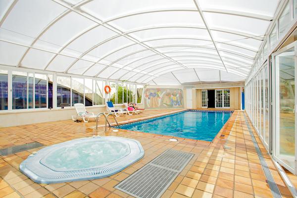 Mallorca, Apartments Sunna Park, piscina interioara, jacuzzi.jpg