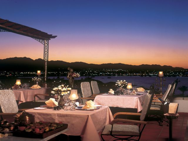 restaurant_at_the_Sofitel_Sharm_El_Sheikh.jpg