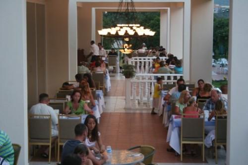 Hotel Garden Resort Bergamot restaurant.jpg