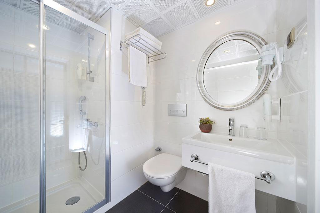 iphotels_ideal_pearl_standard_room_02.jpg