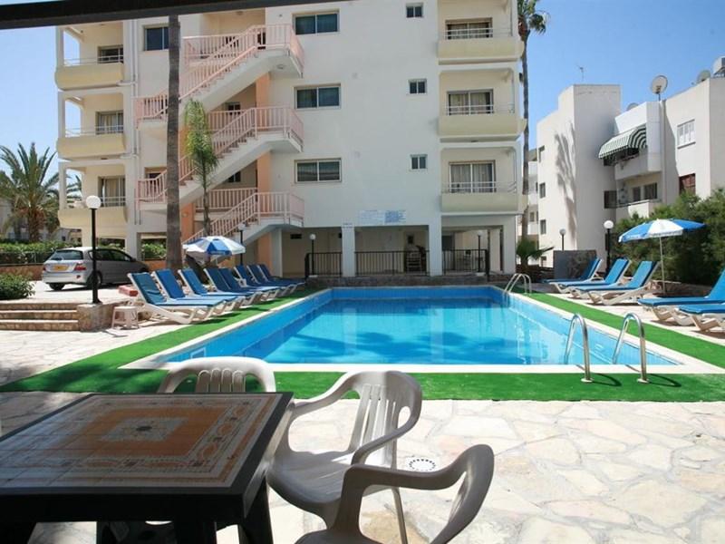 New York Plaza Hotel Apartments Paphos Cipru