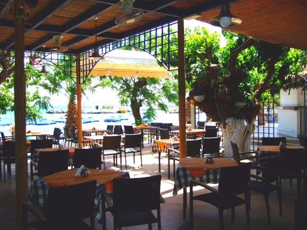 Rodos, Hotel Lido Star, restaurant, terasa, plaja.jpg