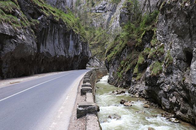 river-4209571_640.jpg