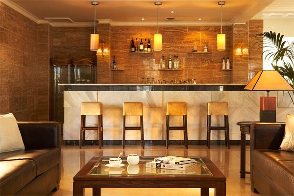 Thassos, Hotel Kamari Beach, interior, lounge bar.jpg