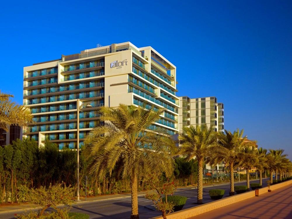 Dubai, Hotel Aloft Palm Jumeirah, exterior.jpg