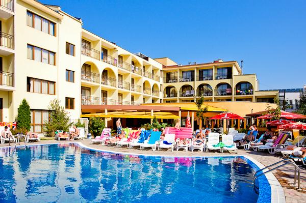 Sunny Beach, Hotel Yavor Palace, piscina exterioara.jpg