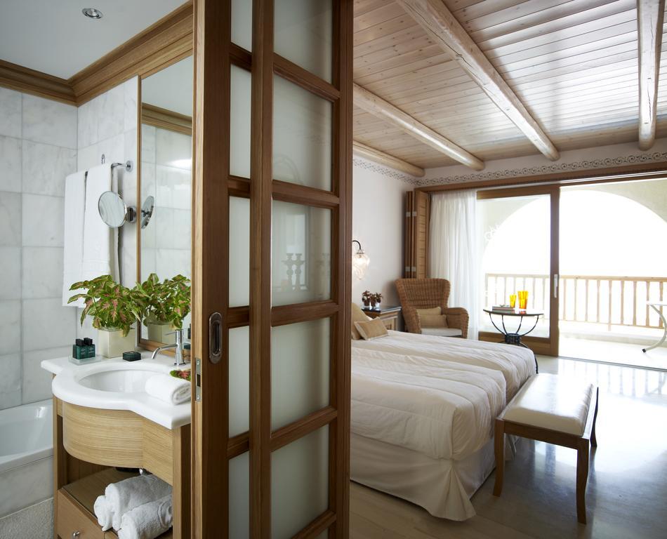 Mitsis Blue Domes Exclusive Resort & Spa34.jpg