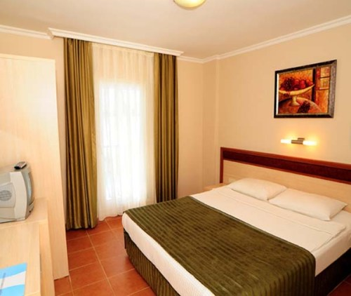 Hotel Bitez Garden Life camera standard.jpg