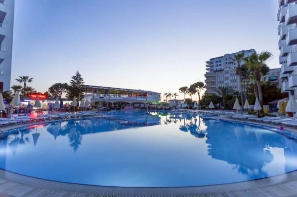 Alanya, Hotel Grand Santana, piscina exterioara.jpg