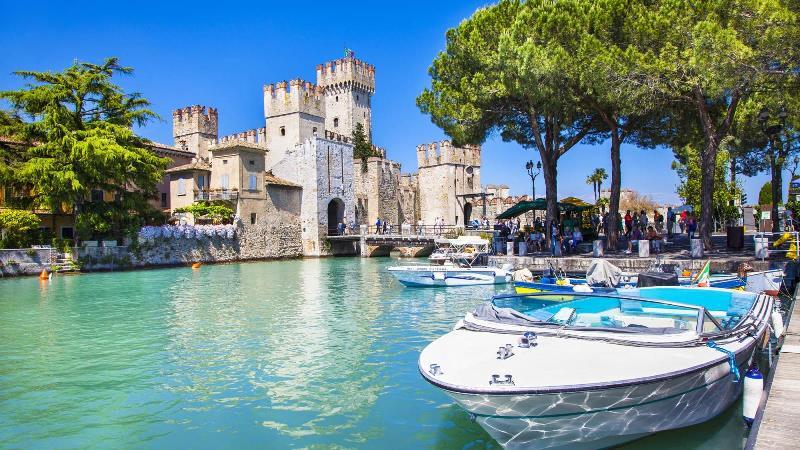 Italy_Lake_Garda_2_t1ul4c.jpg