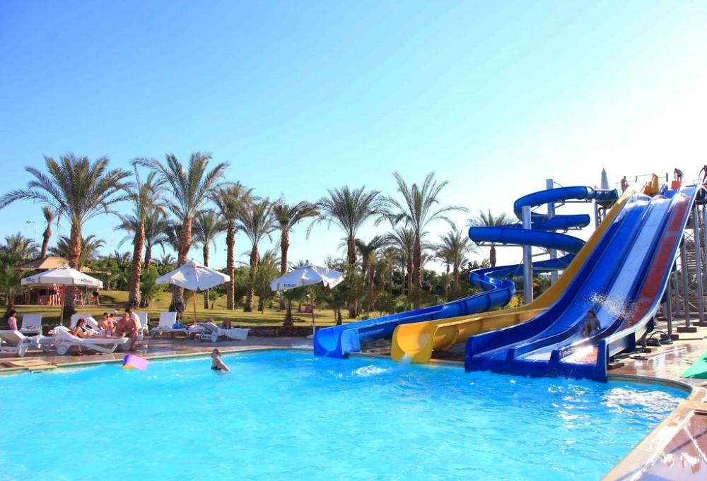 Sharm el Sheikh, Hotel Xperience Kiroseiz, piscina exterioara, tobogane.jpg