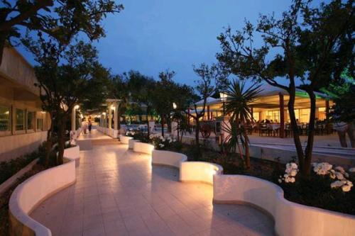 Hotel Filerimos   restaurant.JPG