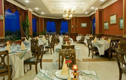 Hotel Delphin Deluxe Resort restaurant.JPG