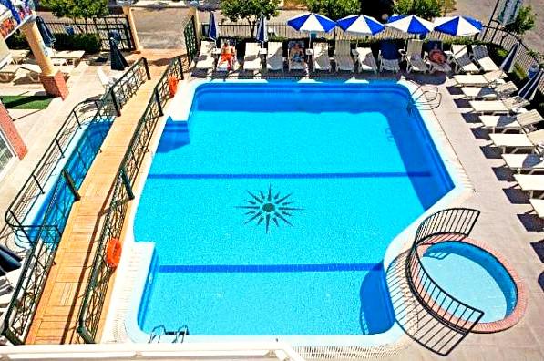 Kos, Hotel Andavis, exterior, piscina, sezlonguri.jpg