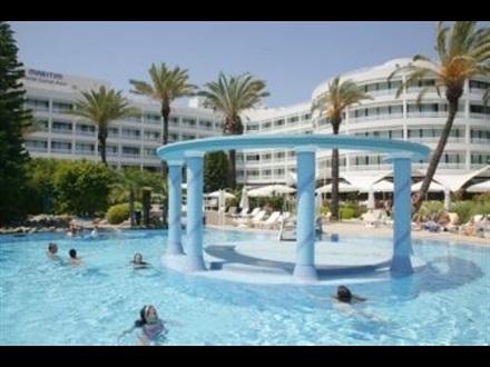 d resort1.jpg