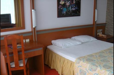 Hotel Faustina poza camera standard.jpg