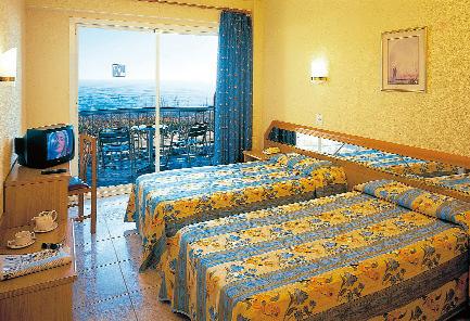 Hotel_Volga_Calella_Costa_Brava_Spain-+1863861aceec4cdb9910ac40b5b6d97a.jpg