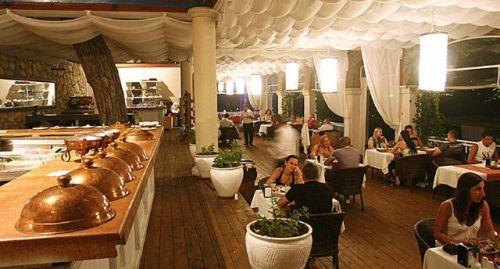 Hotel Blue Dreams restaurant.jpg