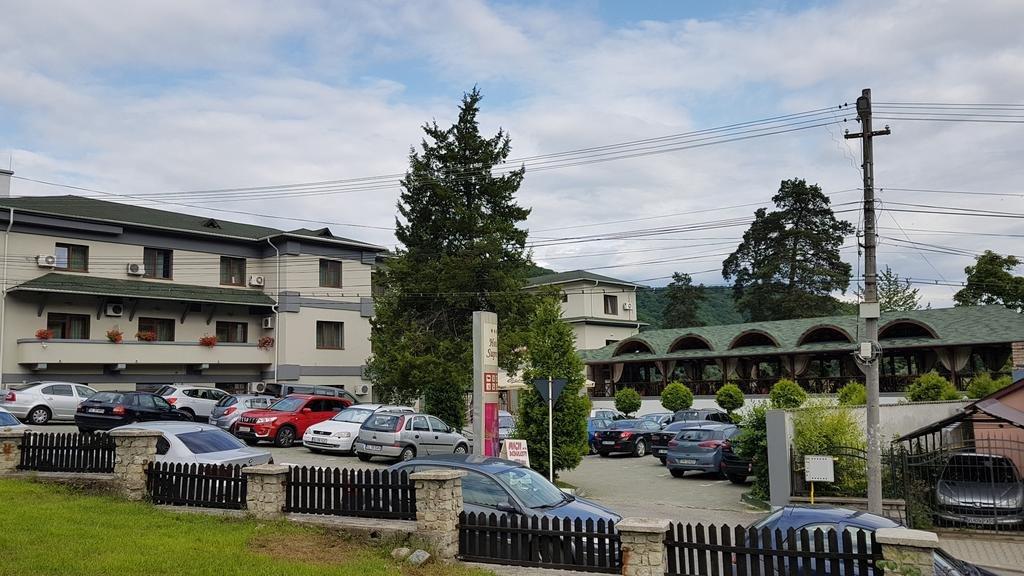 Hotel Suprem