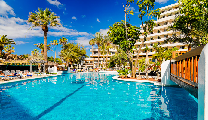 Tenerife, Hotel H10 Conquistador, piscina exterioara.jpg