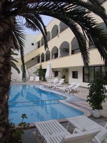Hotel Elinotel Polis.JPG