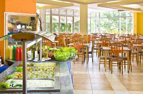 Hotel Ralitsa restaurant.JPG