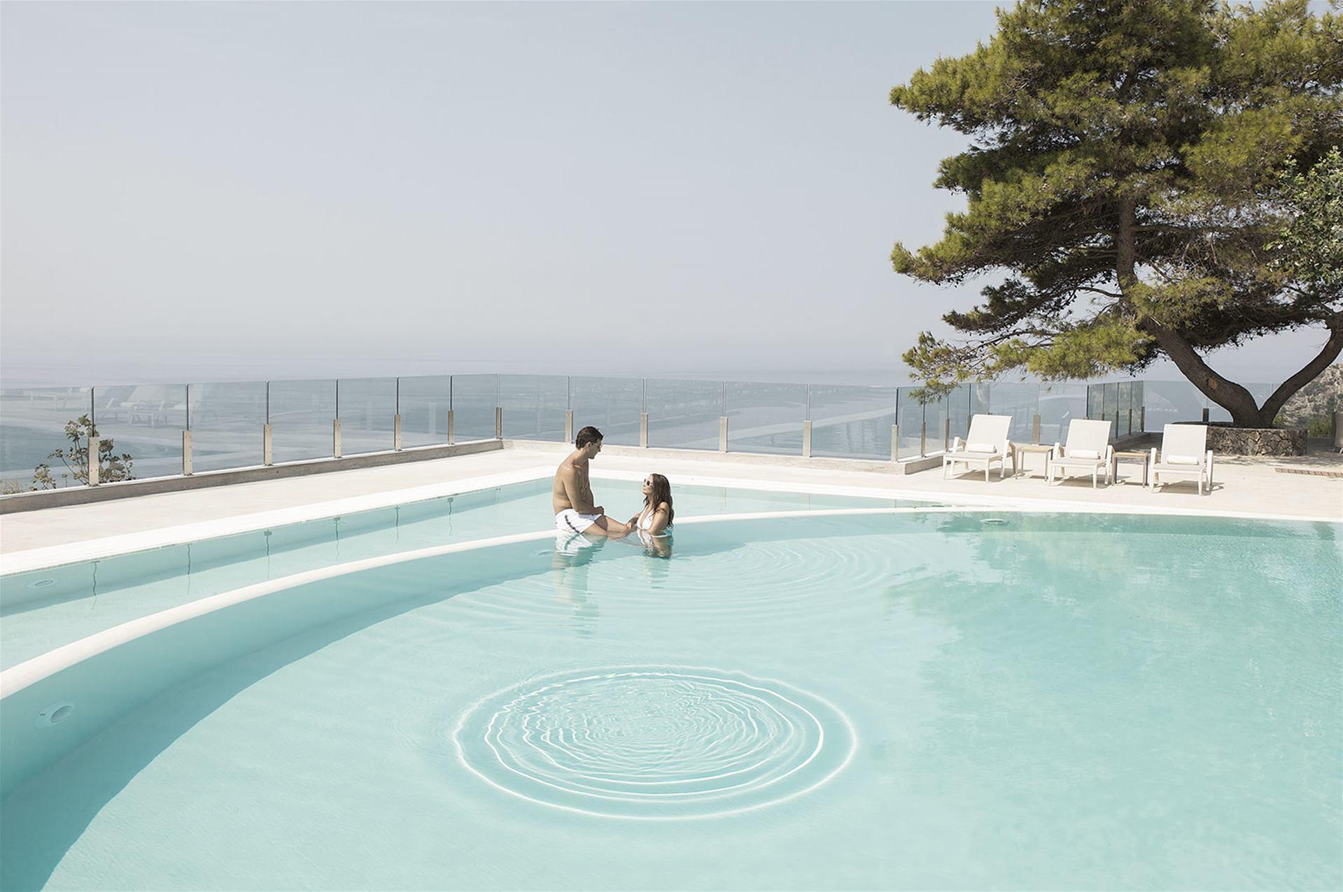 outdoor-pool-couple.jpg