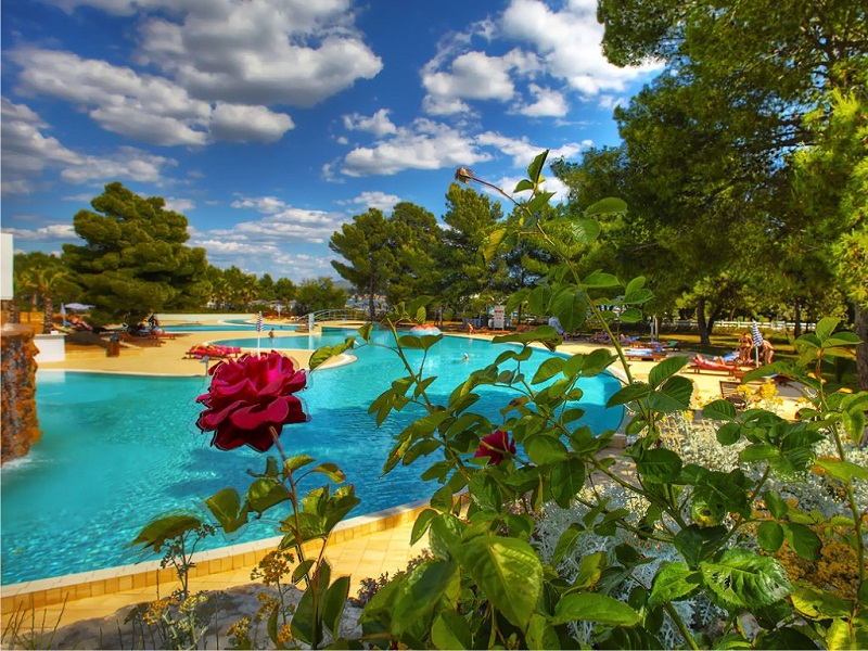 Solaris-Hotel-Ivan-Pool.jpg