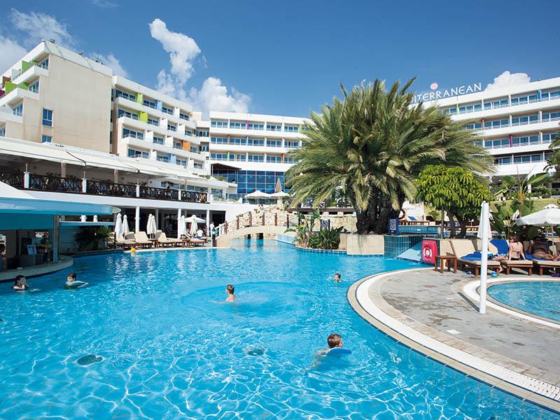 5 piscina.jpg