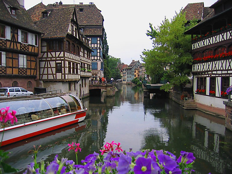 Strasbourg-bateau-mouche hello holidays.jpg