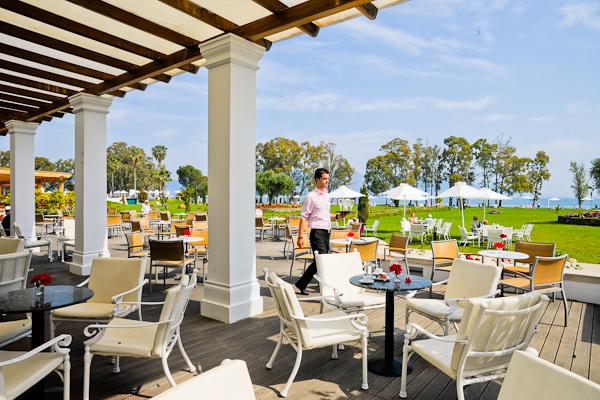 Corfu, Hotel Louis Kerkyra Golf, bar, terasa.jpg