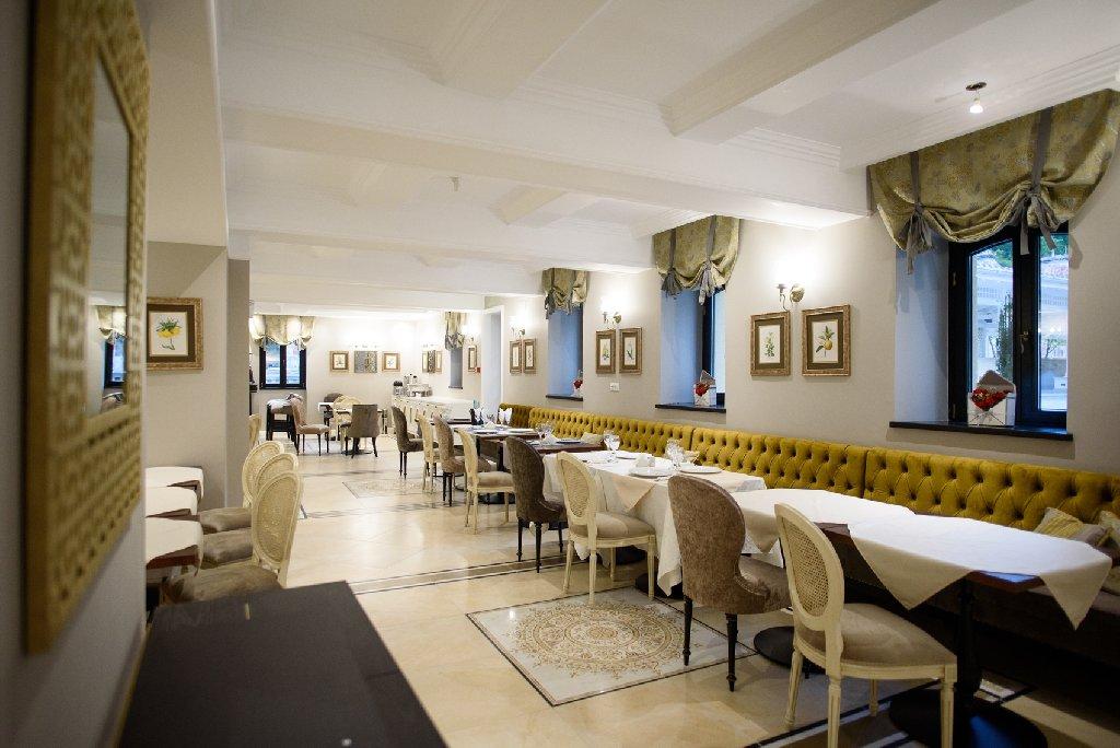 hotel versay baile herculane