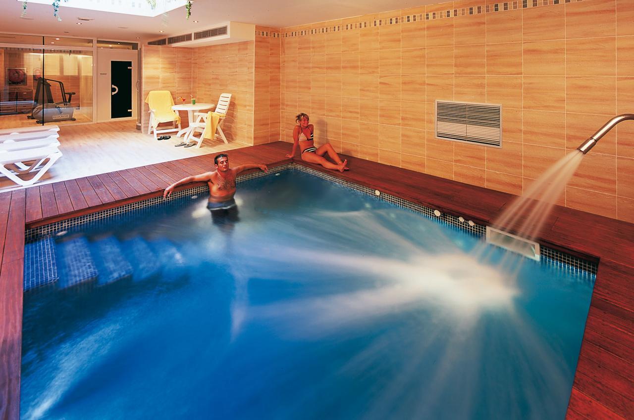 lp piscina interioara.jpg
