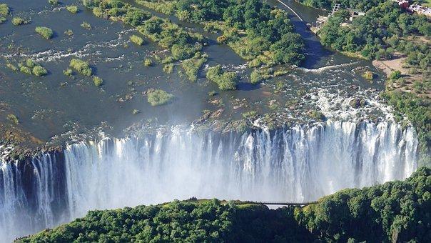 victoria-falls-4885483__340.jpg