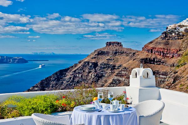 cliffside-hotel-santorini38.jpg