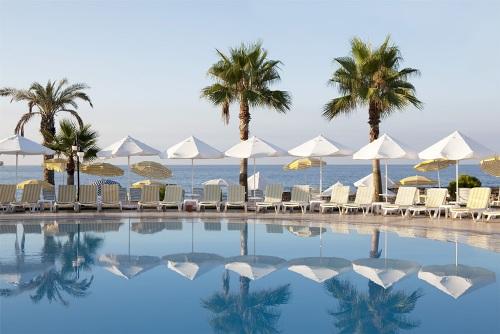 Hotel Incekum Beach Resort piscina.jpg