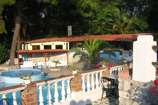 pool_garden_kassandra_bay_hotel_filos_travel_g_6151_Gallery.jpg