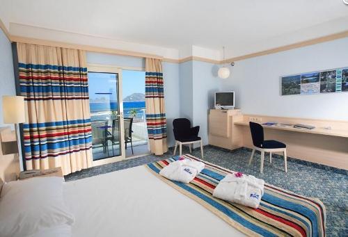 Hotel La Blanche camera.JPG