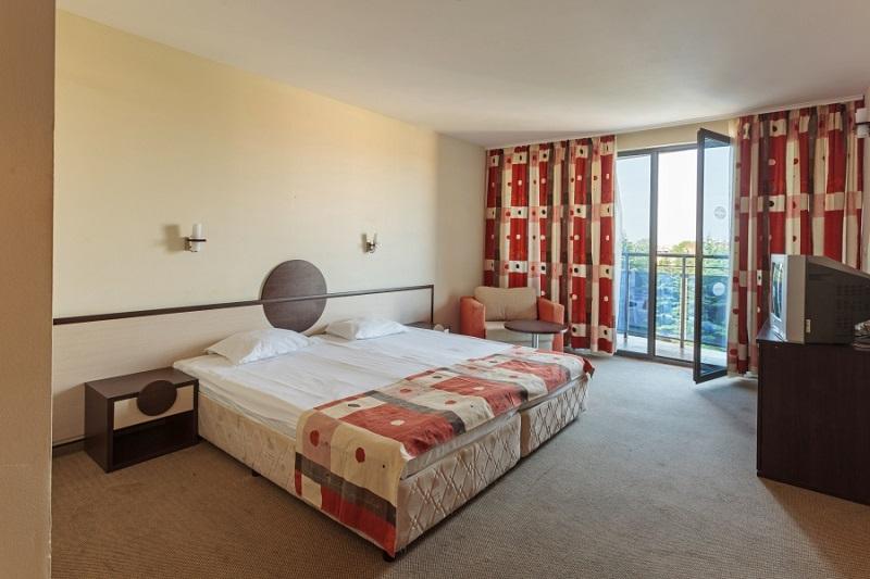 Meridian-hotel-Dbl-room.jpg