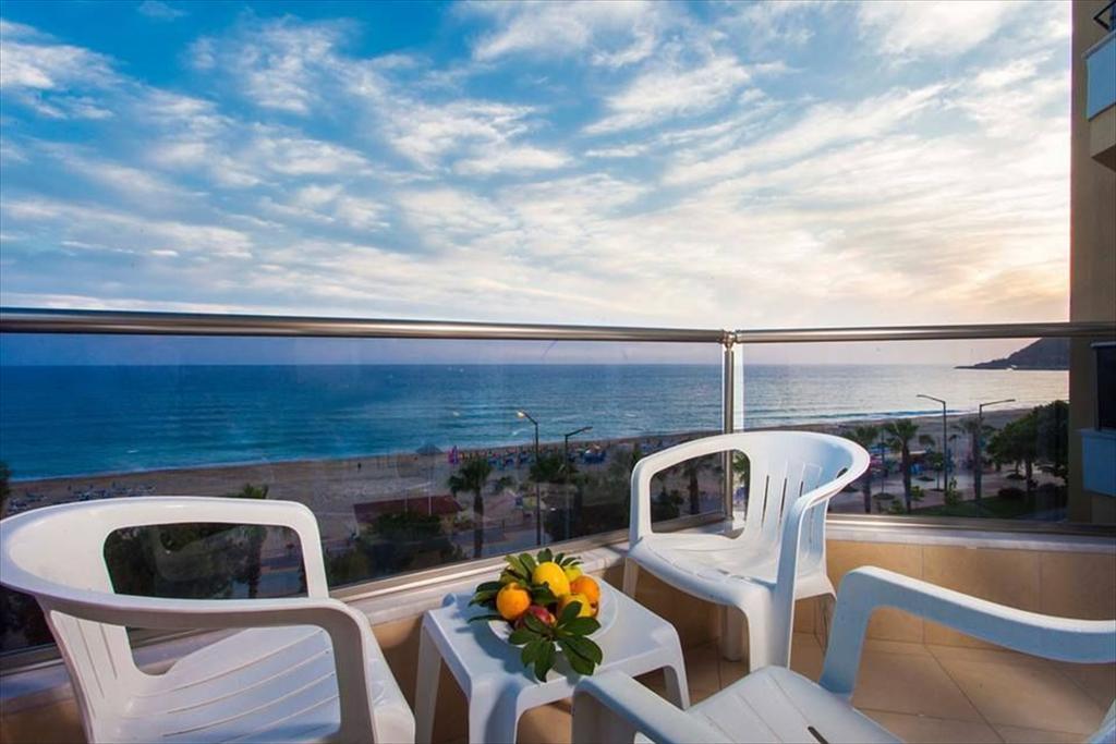 Alanya, Balik Beach Hotel balcon.jpg