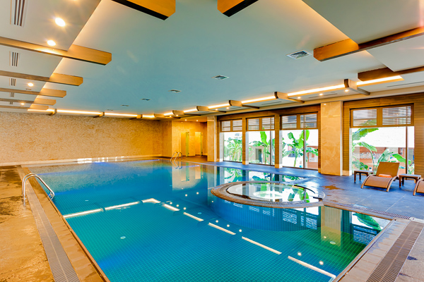 INDOOR POOL (1).jpg