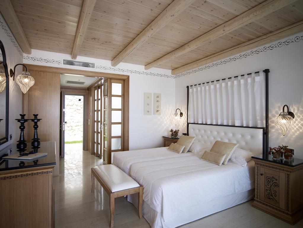 Mitsis Blue Domes Exclusive Resort & Sp1.jpg