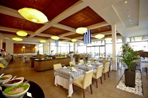 Hotel Sensimar Port Royal Villas &Spa  restaurant.JPG