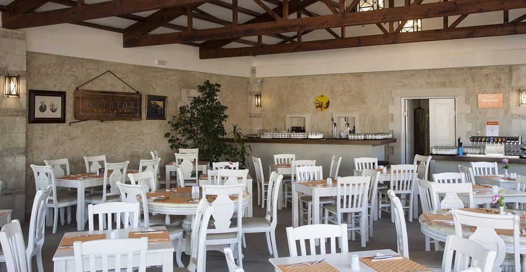 restaurant-bar-8-1024x529.jpg