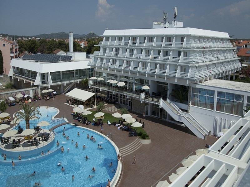 hotel_olympia_pool_1.jpg