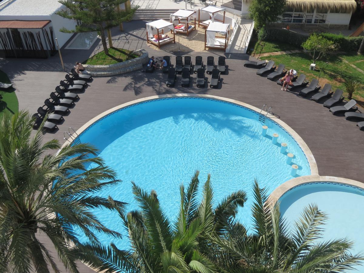 pamplona piscina.jpg