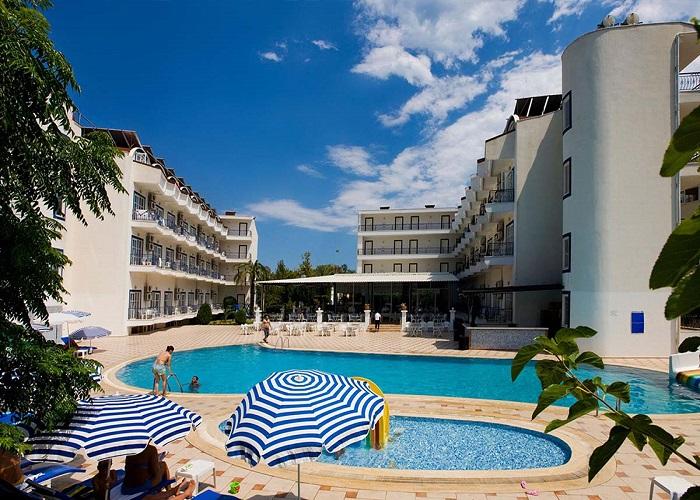 ARES BLUE HOTEL 1.jpg