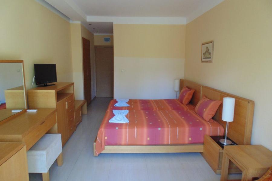 Oasis_hotel_doubleroom2.jpg